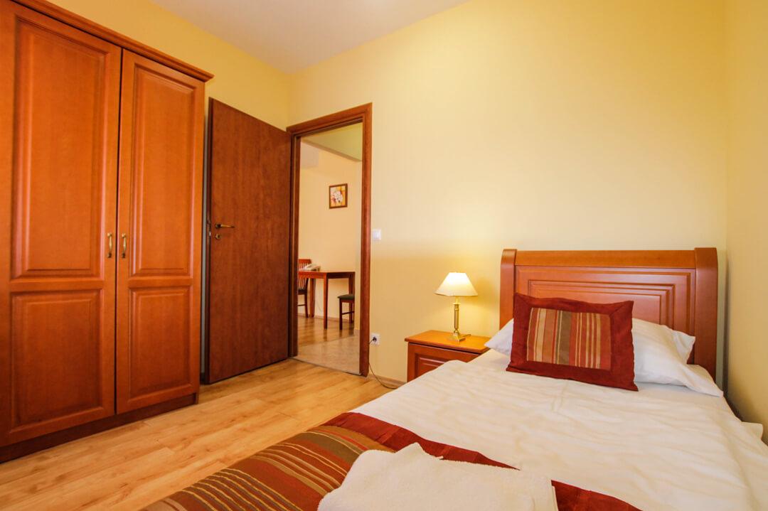 Hotel Járja három ágyas apartman